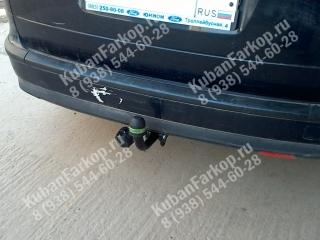 фаркоп на Ford Focus 2 wagon F109-A